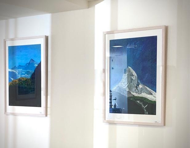 Expositie Raffeisen Bank Grächen met schilderijen van de matterhorn